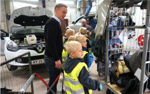 Autohuset Vestergaard Sanderumskolen Odense Virksomheder adopterer skoleklasser