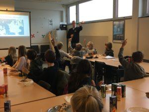 Læringsbesøg Autohuset Vestergaard Nærum Ordrup Skole Virksommheder adopterer skoleklasser RelationsNetværket Karsten B. Vester