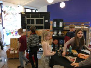 AffaldGenbrug Vejle Kommune Petersmindeskolen Økolariet RelationsNetværket Virksomheder adopterer skoleklasser Den åbne skole